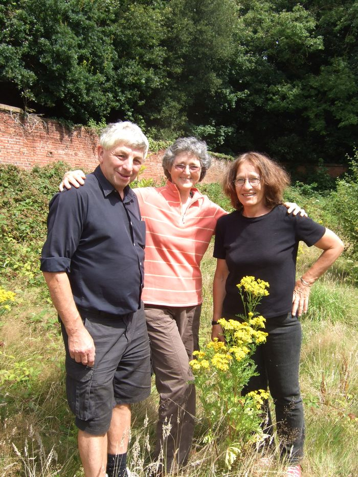 Walled Garden group (Susan in centre)