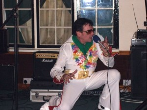 Richard Stevens as Elvis.