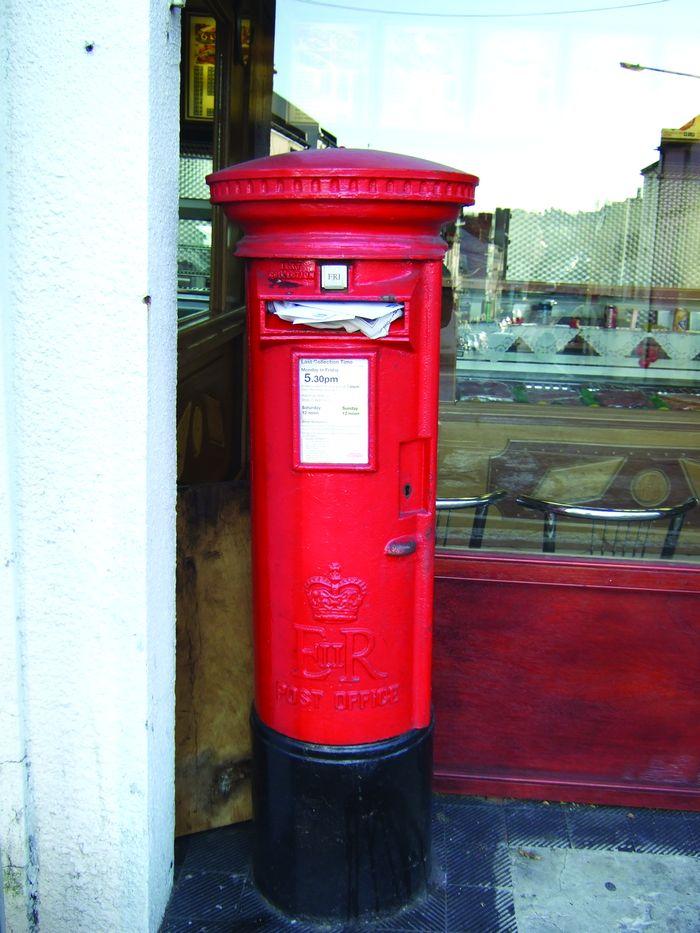 Please empty me - full Bohemia postbox