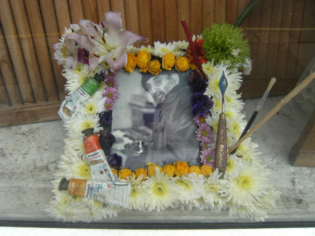 Robert Farquhar memorial